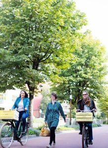 Afbeelding van Barbara Steenhoff, Hannah de Klerk en Judith Reijnierse van verloskundigenpraktijk Fam. in Utrecht